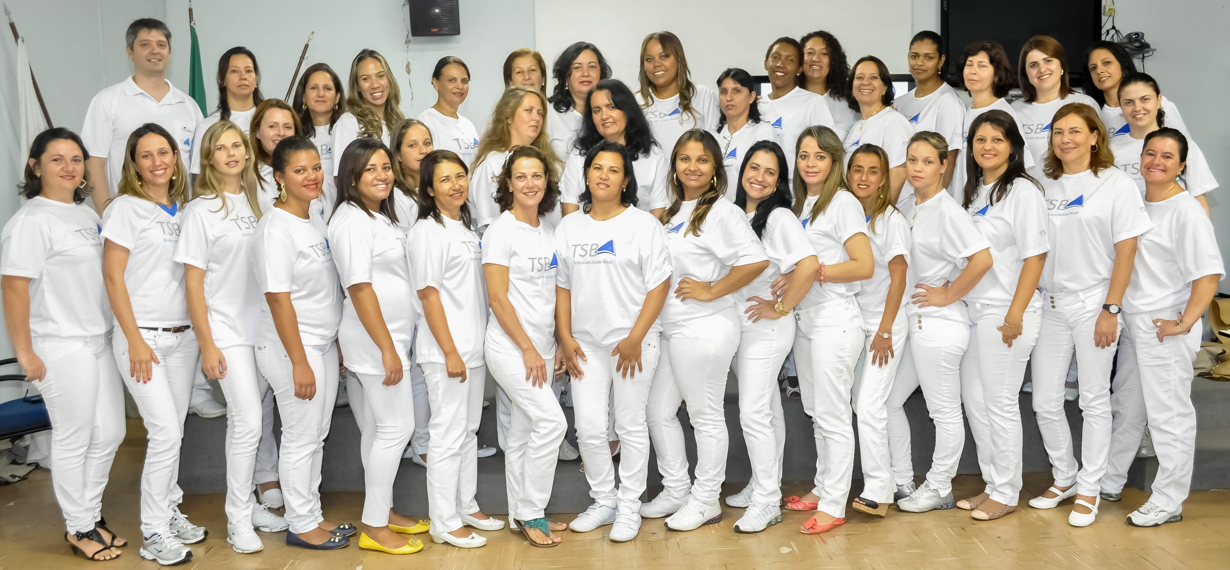 Resultado de imagem para Escola de Saúde Pública forma novos técnicos em Saúde Bucal
