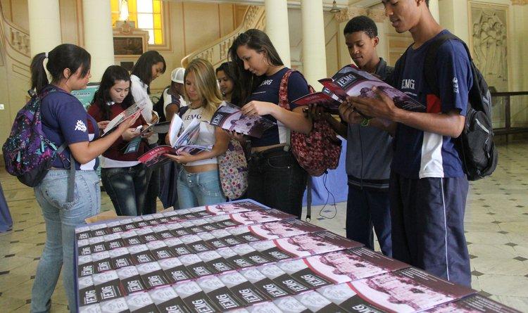 Revista do IEMG conta os mais de 100 anos da história do instituto